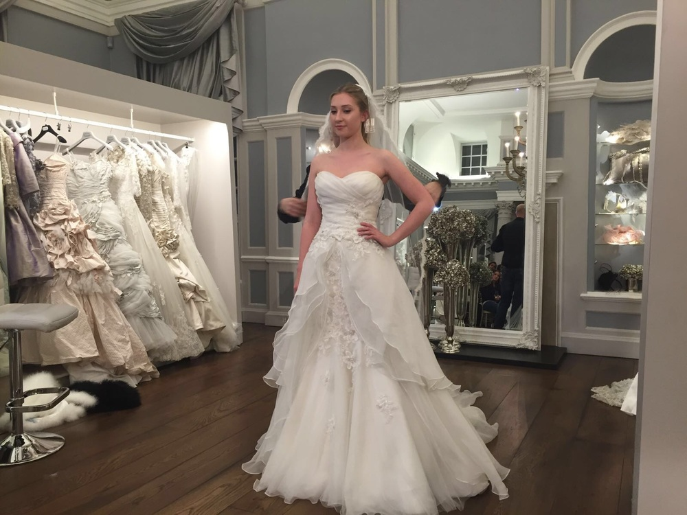Ian stuart wedding dresses 2018 ball