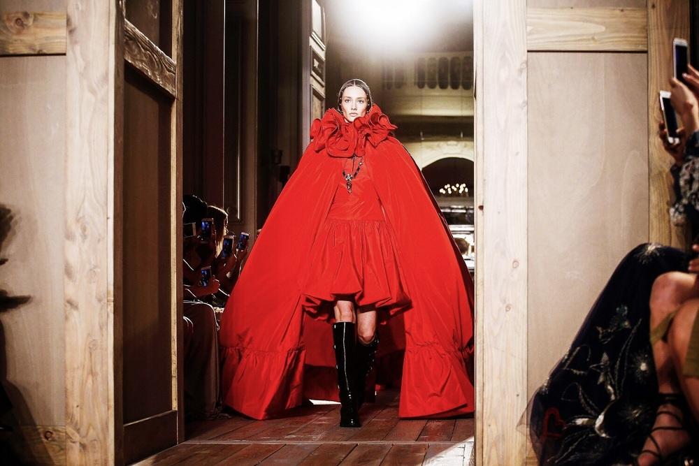 valentino-couture.jpg