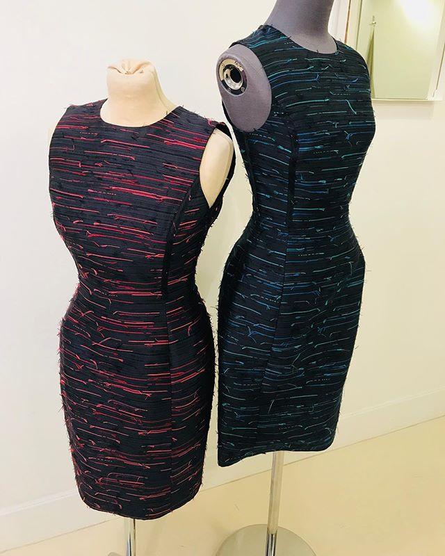 Snap! @oscardelarenta . . . #womenswear #fashionistas #couture #snap #spotthedifference #fashionstudio #workroom #alterationspecialist #reclaimyourwardrobe #londontailor #alterationisthenewbespoke #madetofit #fittoyou #londonfittingrooms #teamlfr