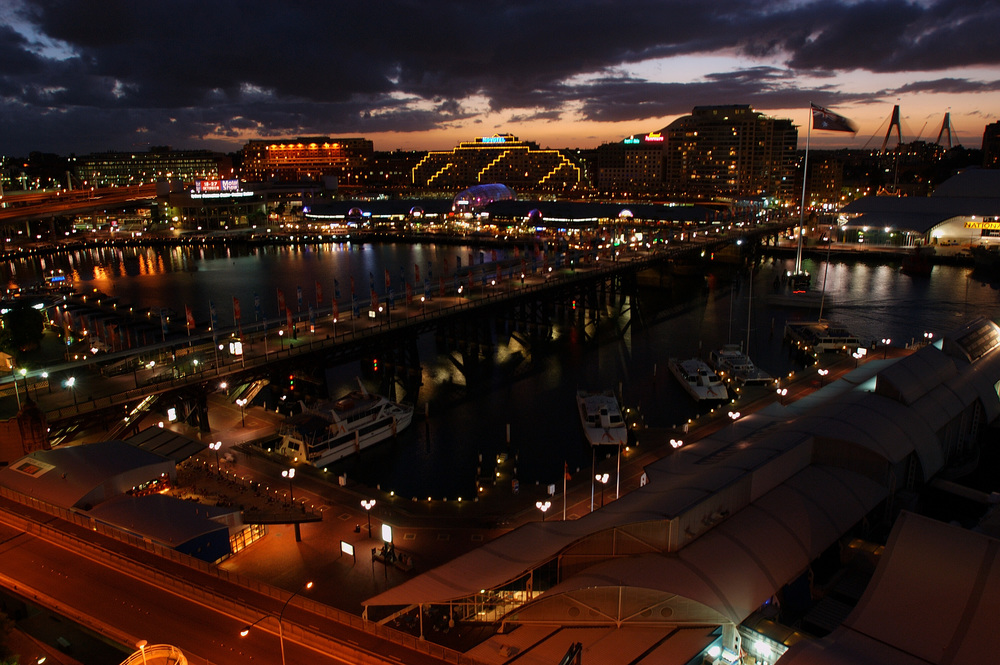 A view of the Pyrmont Bridge and Harbourside from the Sheraton Four Points at night