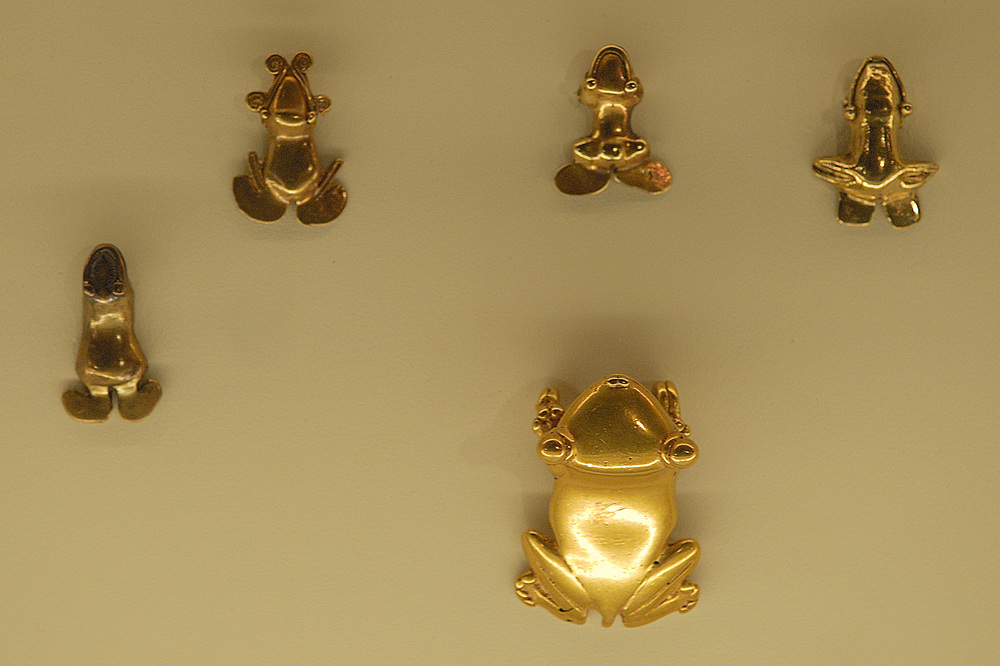 Inside the museum are beautiful examples Pre Colombian gold used as armor for warriors, decorations, dishware, art works and coins. This museum really helps with understanding the importance of gold to the early culture of Costa Rica, and it is dazzling to see! These tiny frogs are just a fraction of what is on display, not all of it is allowed to be photographed.