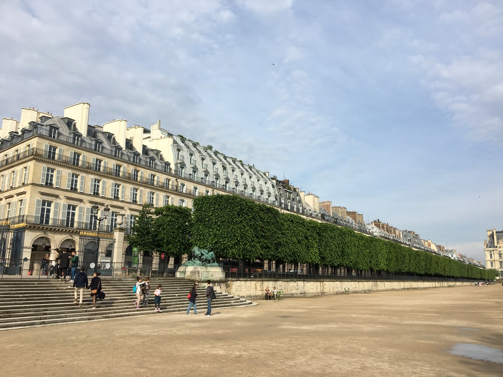 The classic architecture along Rue due Rivoli from Tuileries