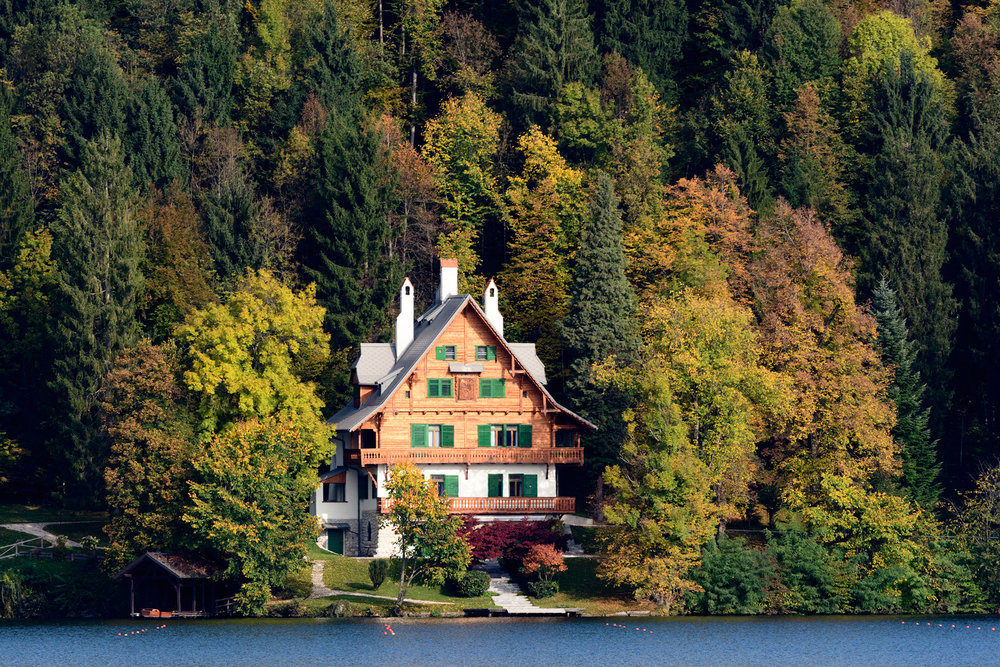 A charming Alpine cottage on the shores of Lake Bled