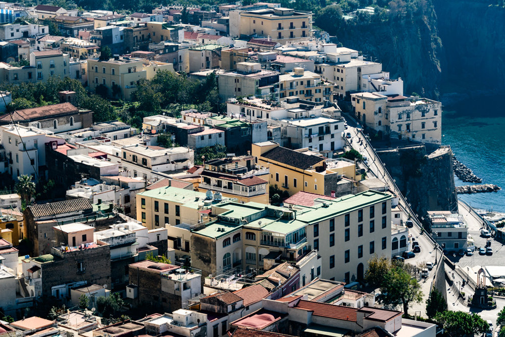 Follow the winding road along the coast and you will find yourself above the town of Positano. You just won't find yourself alone!