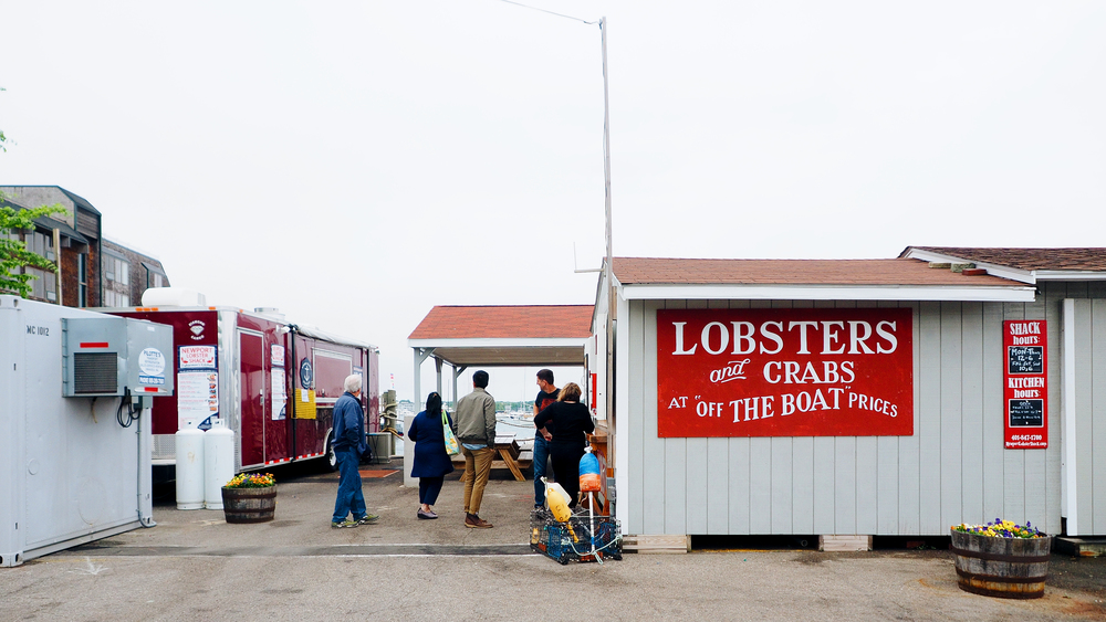 Accidentally waited in this line to find out that the food truck (on the left) is what we wanted. The shack was only selling whole lobsters for you to cook.