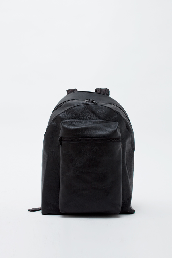 backpack-black.png