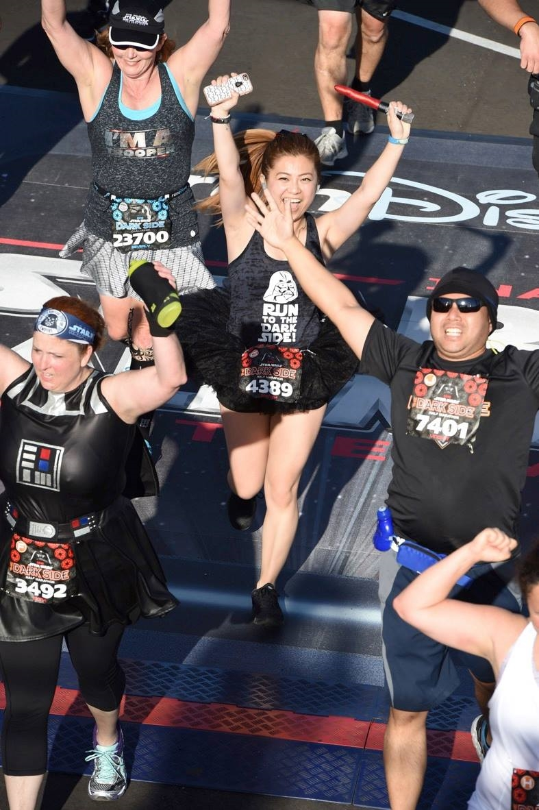 risa xu rundisney dark side half marathon finish
