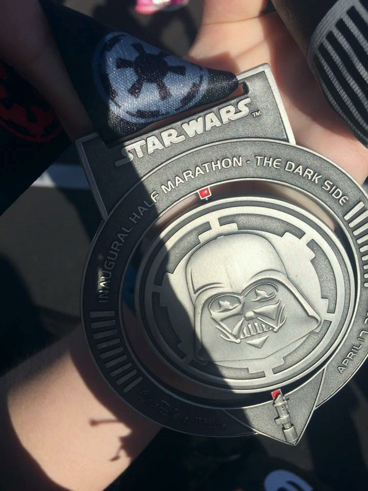 risa xu dark side half marathon rundisney medal star wars