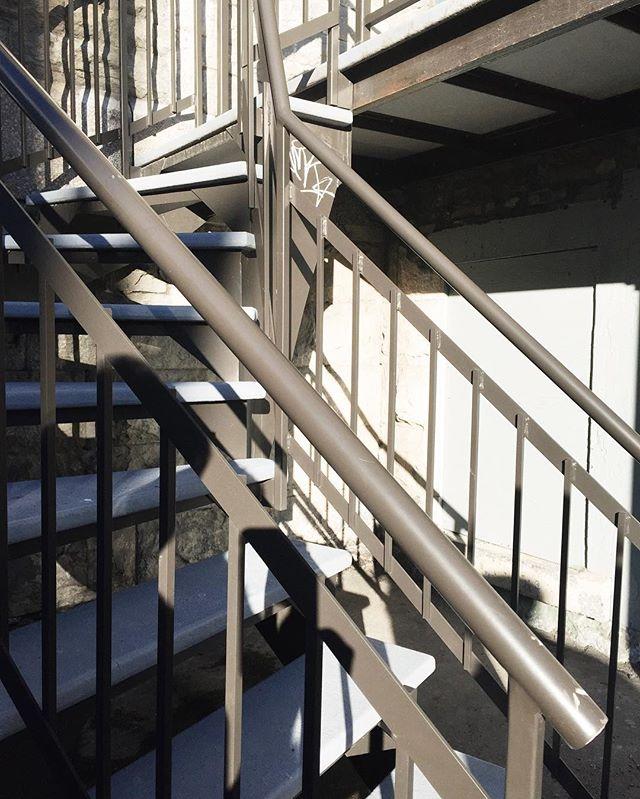 La ville des escaliers en colimaçon. —The Montréal Set_02