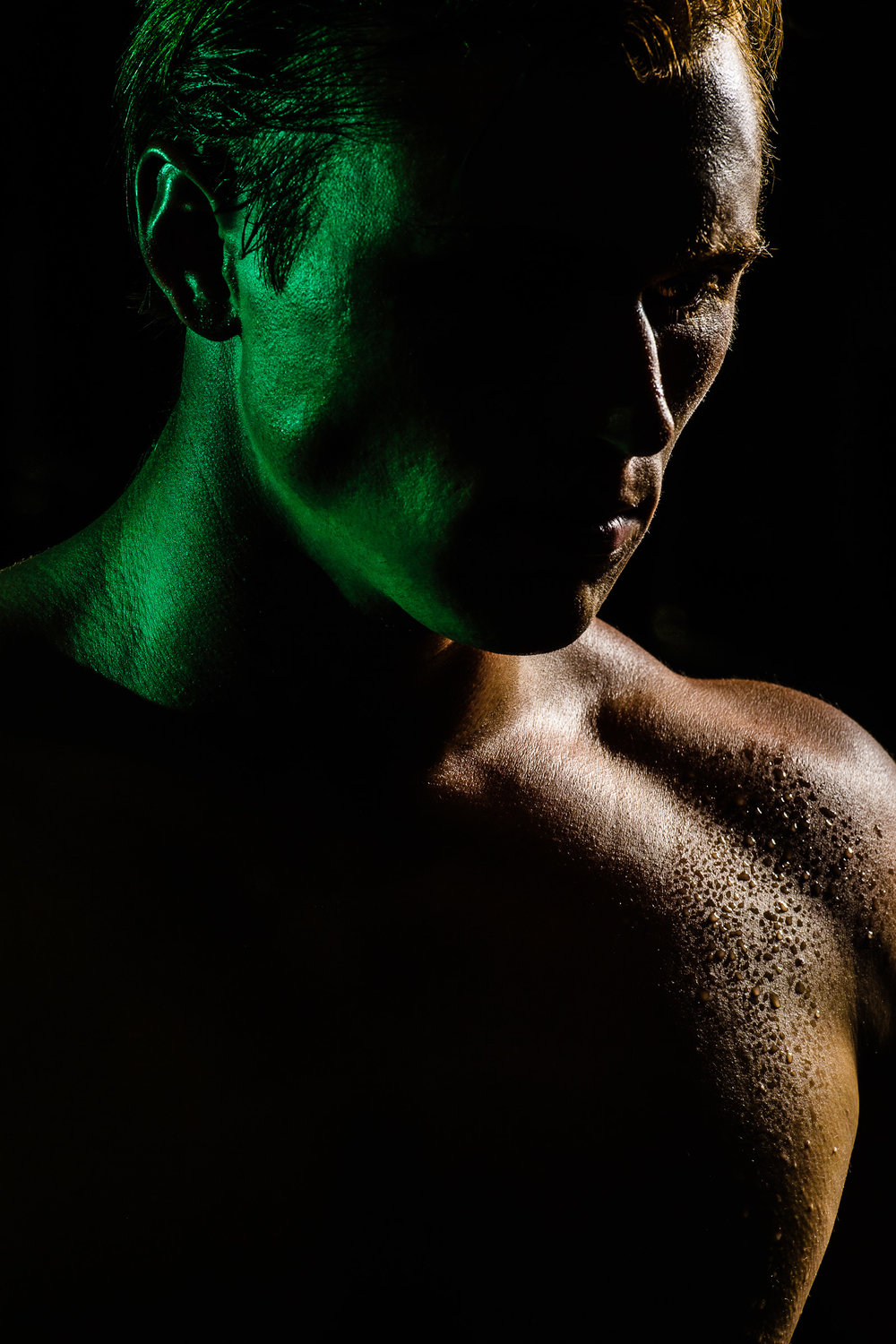 sports-outdoors-body-building-sweat-green-hunter