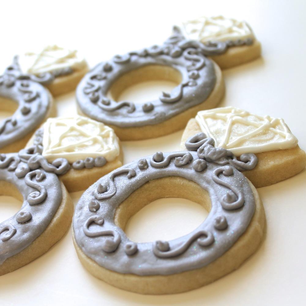 Wedding.cookies.diamond.ring.silver.jpg