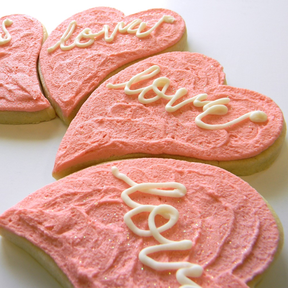 Wedding.cookies.love.heart.jpg