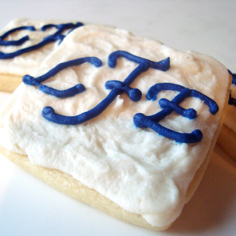 Wedding.cookies.monogram.jpg
