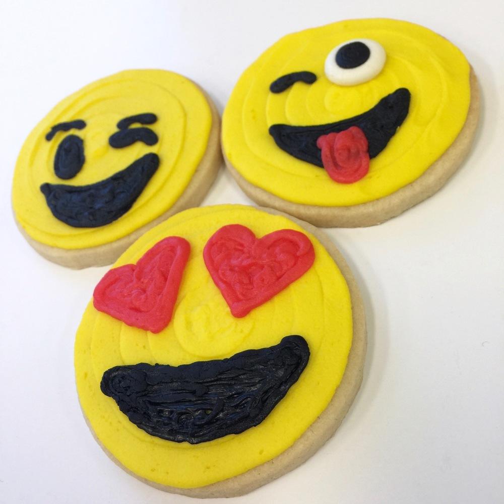 Valentine.cookies.emoji.jpg