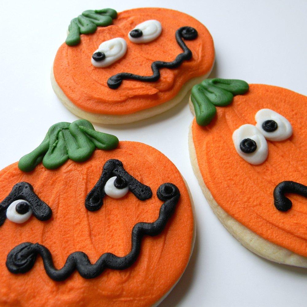 halloween.cookies.jack o lantern.jpg