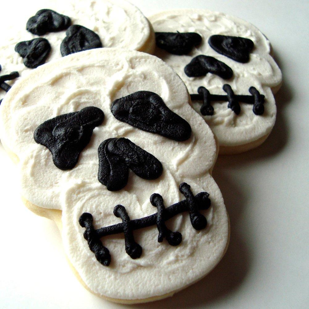 halloween.cookies.skull.jpg