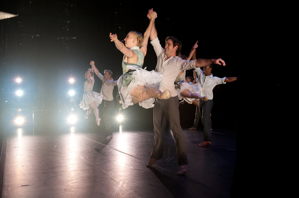 Smuin Ballet in Garrett Ammon's  Serenade .  photo: Natalia Perez