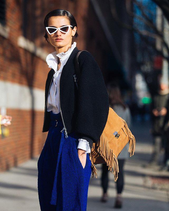 Pulp Agency @melodiejeng • 🌎 Fall Winter 18 @modelsdot  #ultramarine #street #suede