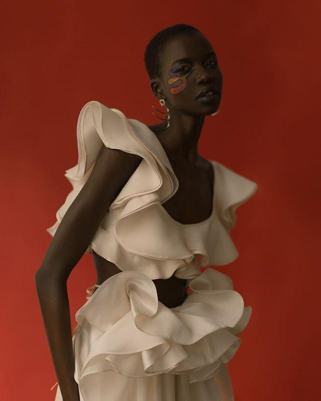 Pulp Agency @francoschicke • 🥀 @lemilemagazine La Femme Visible @nykhor  #femme #flowers #flounce