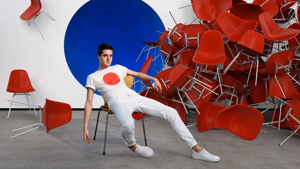 Tyler Touch  é  Branding, art direction & press photography.