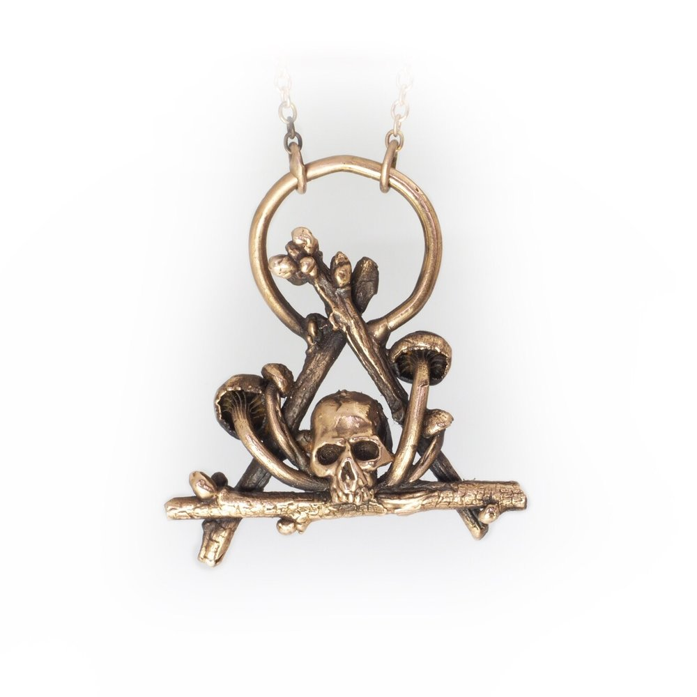 Skull Hovel Necklace Gold