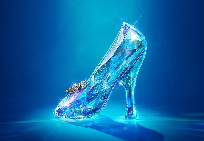 Swarovski的水晶在《灰姑娘》的斑斓世界中美得实至名归