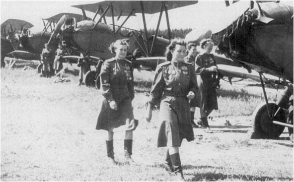 kristen_lassen_ivv_night_witches_10.jpg