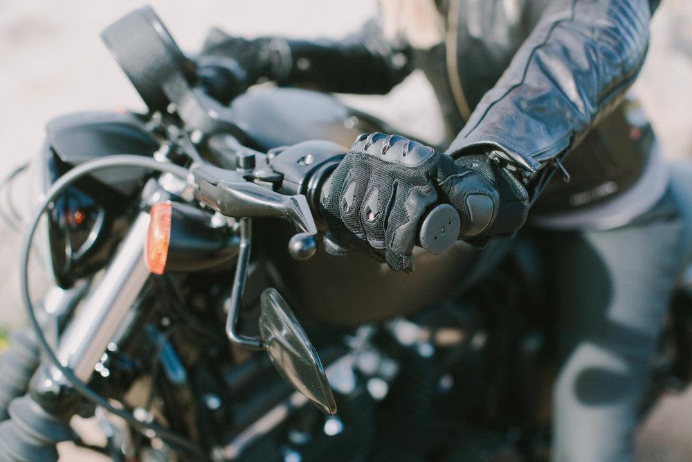KateDisherQuill_IVV_Gloves_Petrolettes_234.jpg
