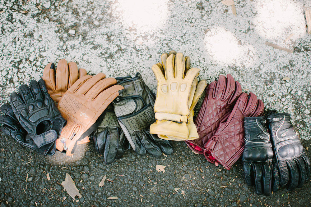KateDisherQuill_IVV_Gloves_Petrolettes_4.jpg