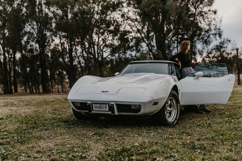 lucia_braham_lindsay_oconnell_corvette_c3_petrolette_7.jpeg