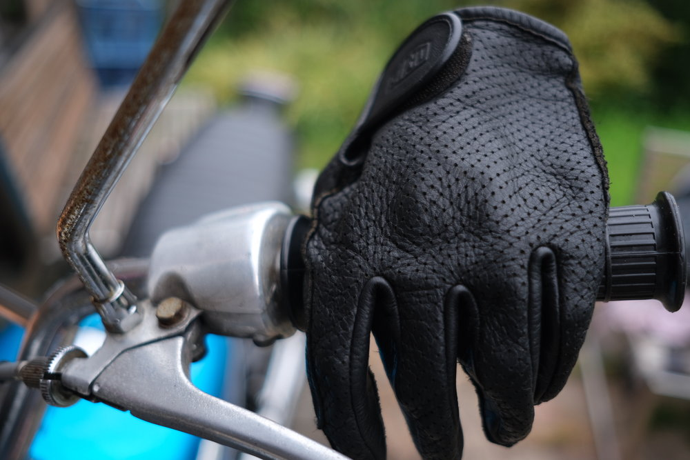 ivv_jo_mcewan_deus_mesh_gloves_4.JPG