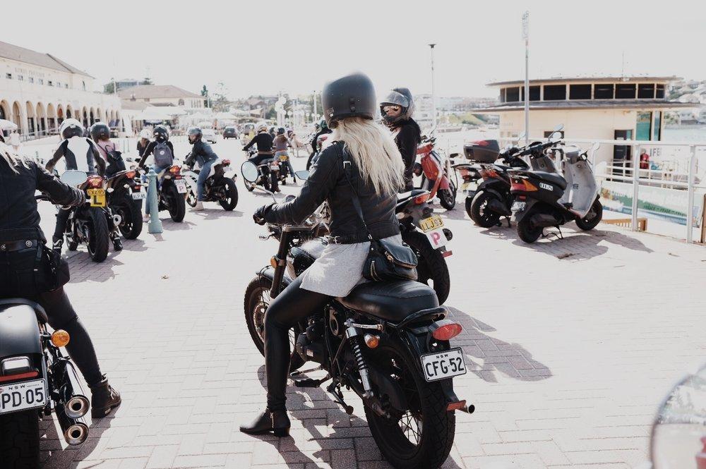 ivv_throttle_dolls_ride_petrolette_2.jpg