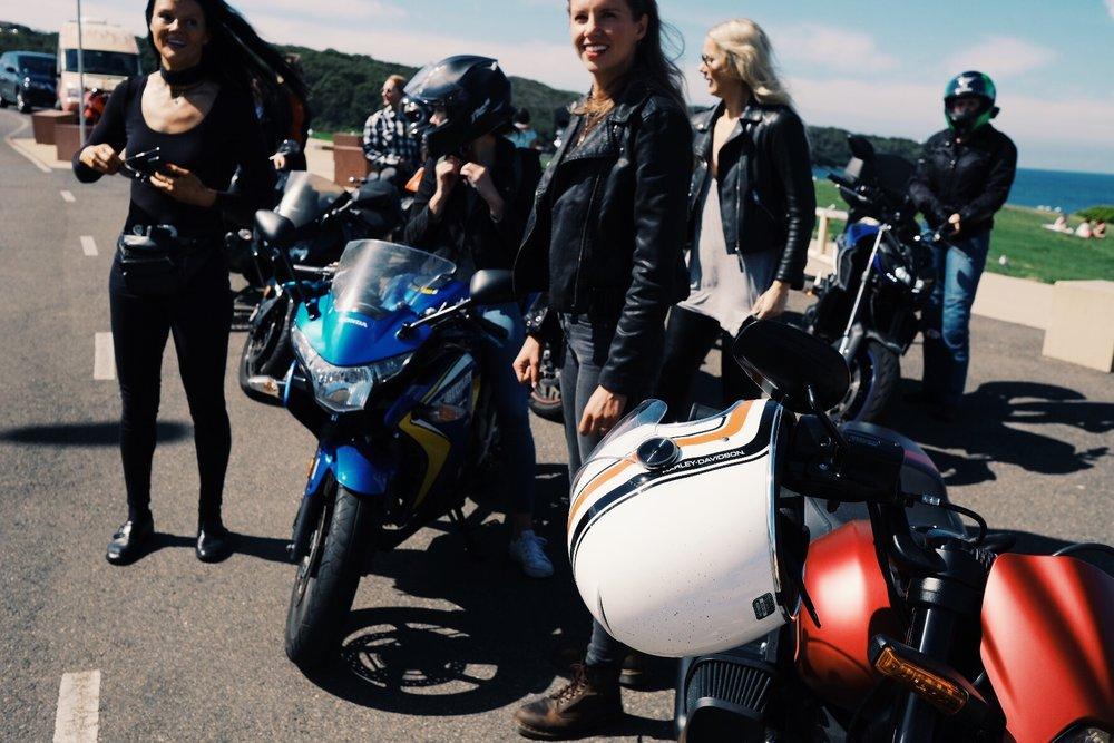 ivv_throttle_dolls_ride_petrolette_14.jpg