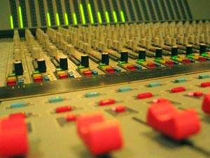 Geluidsstudio | Opnamestudio | Muziekstudio | Studio Spitsbergen - DDA Profile analog console