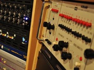 Geluidsstudio | Opnamestudio | Muziekstudio | Studio Spitsbergen- apparatuur rack