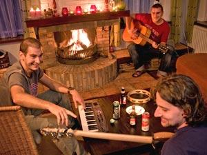 Opnamestudio   Muziekstudio   Geluidsstudio   Studio Spitsbergen - sfeer impressie bij de openhaard