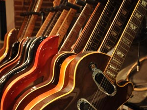 Geluidsstudio | Opnamestudio | Muziekstudio | Studio Spitsbergen - gitaar collectie fender, gibson, rickenbacker, prs