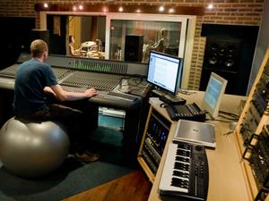 Muziekstudio   Opnamestudio   Geluidsstudio   Studio Spitsbergen - controlroom.JPG