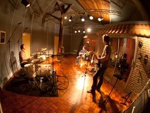 Muziekstudio   Opnamestudio   Geluidsstudio   Studio Spitsbergen - akoestiek.jpg