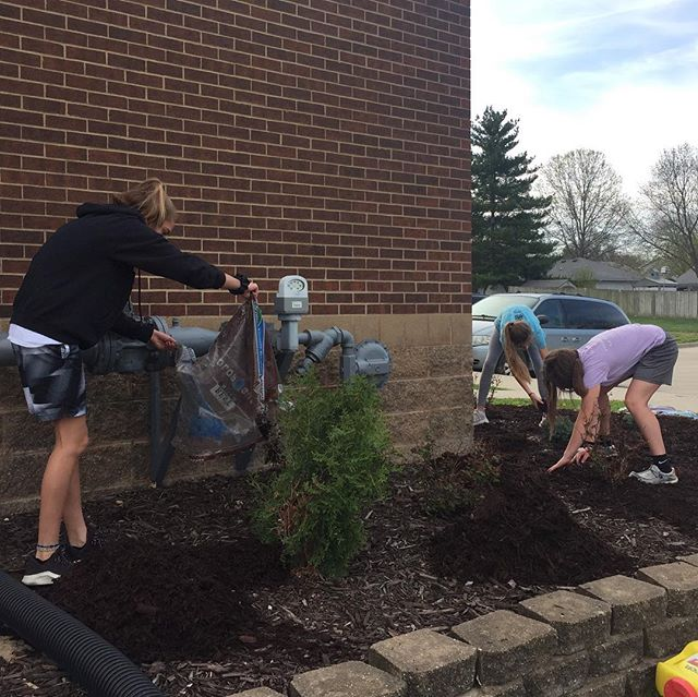 It's National Volunteer Month!  Thanks to all these hard working students from Bishop Hogan Memorial School who did an amazing job getting our landscaping ready for Spring.  They also picked up trash, cleaned windows, and more.  #nationalvolunteermonth #chillimo #bishophoganmemorialschool #grandrivery #volunteer #landscapexperts