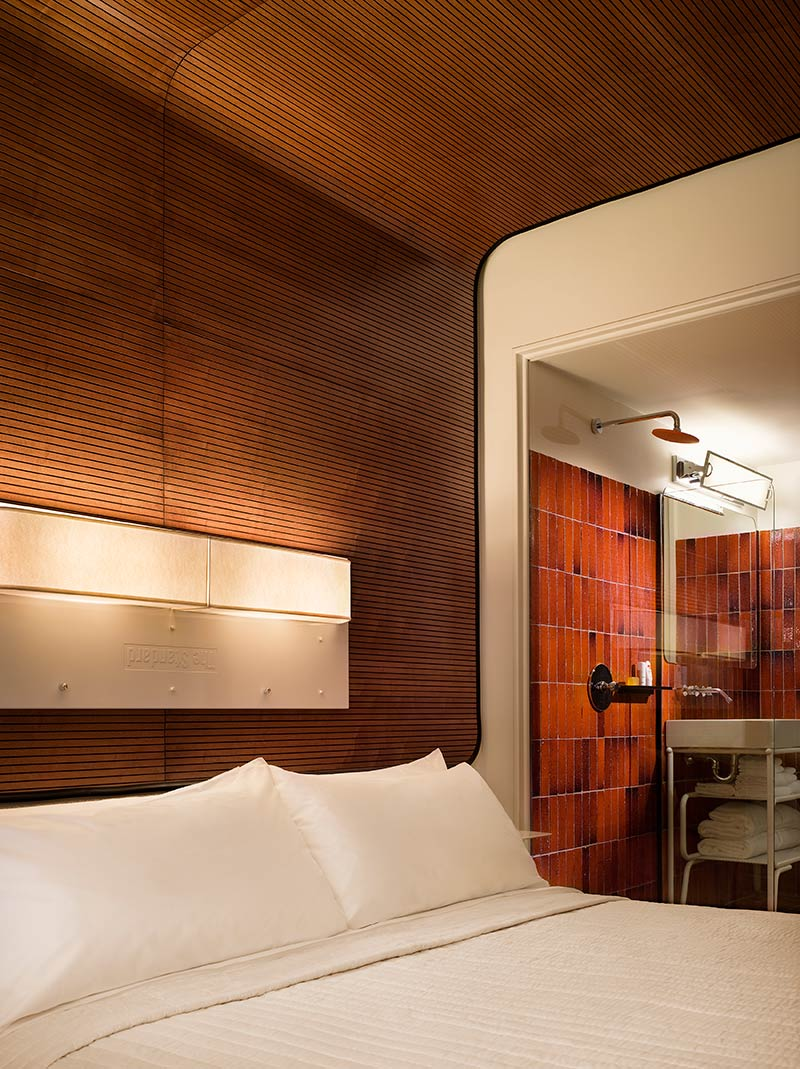 7-the-standard-high-line-hotel-new-york-manhattan-bedroom-bathroom.jpg