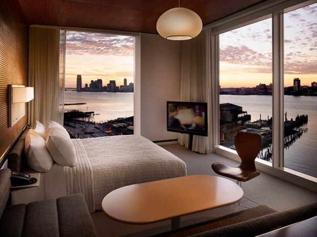 f-the-standard-high-line-hotel-new-york-manhattan-corner-room-sunset-exhibitionist-620x464.jpg