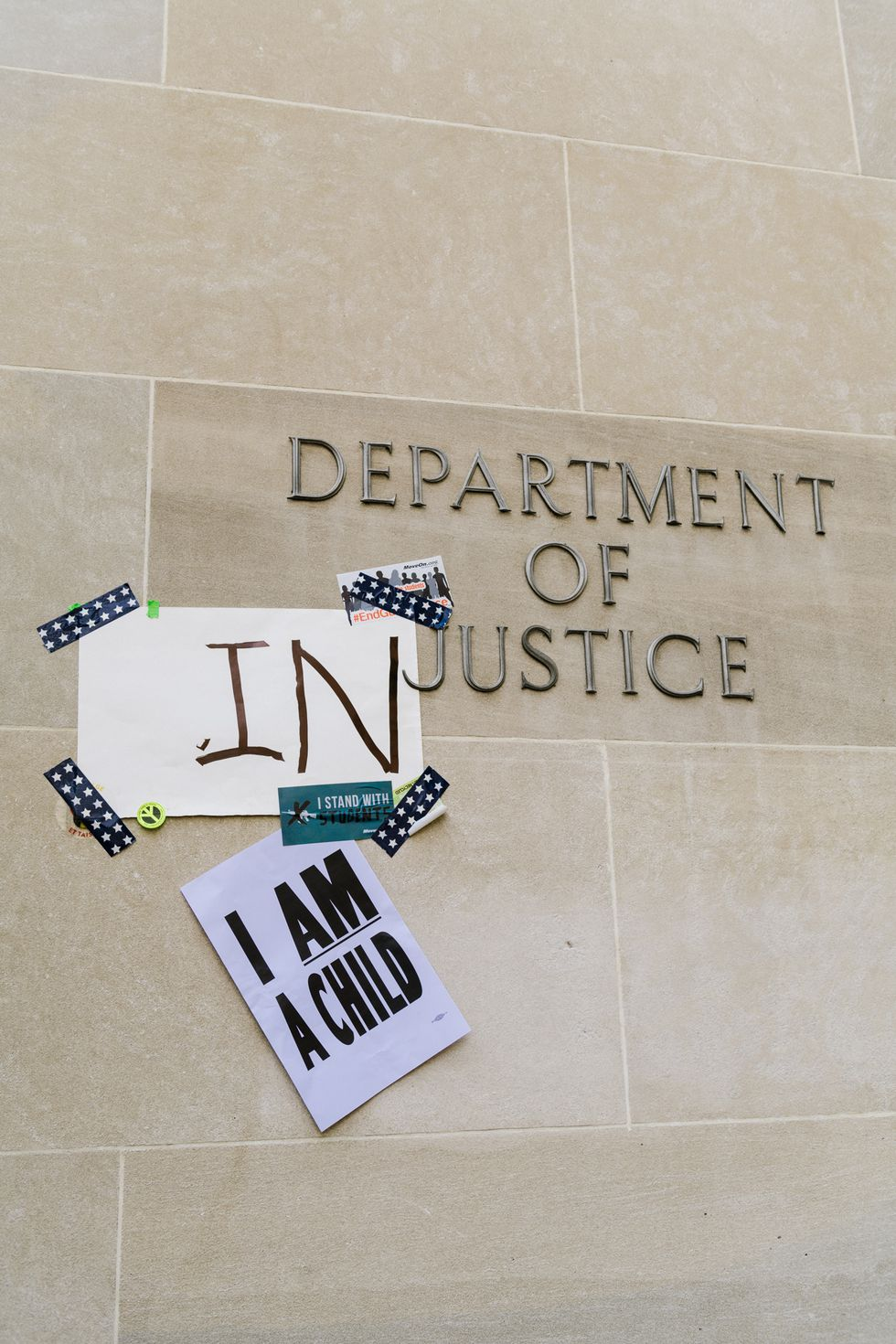 """Here, the """"I Am a Child"""" sign references the iconic """"I Am a Man"""" signs during the Civil Rights movement. Image by Kate Warren"""
