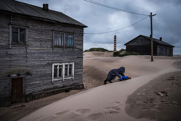 Sergey Ponomarev discusses his  New York Times  story about a Russian village swallowed by sand in this month's    Picture Story column on PDNonline.    ©Sergey Ponomarev
