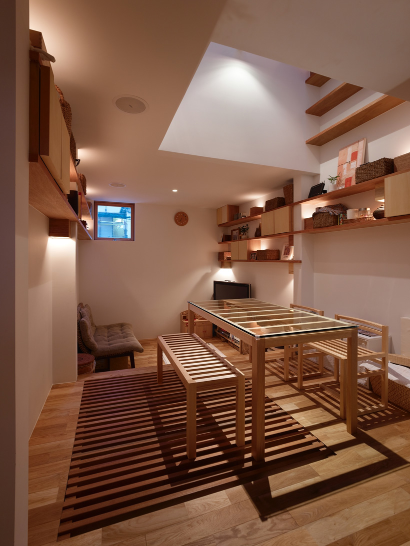 7-house-in-nada-by-fujiwaramuro-architects.jpg