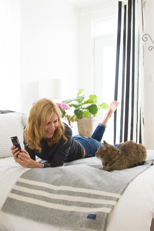 Rachèle et Mathilda le chat | LA MINI-MAISON