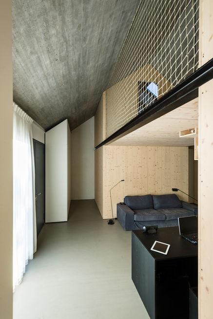 compact-karset-house-balcony-rope_0.jpg