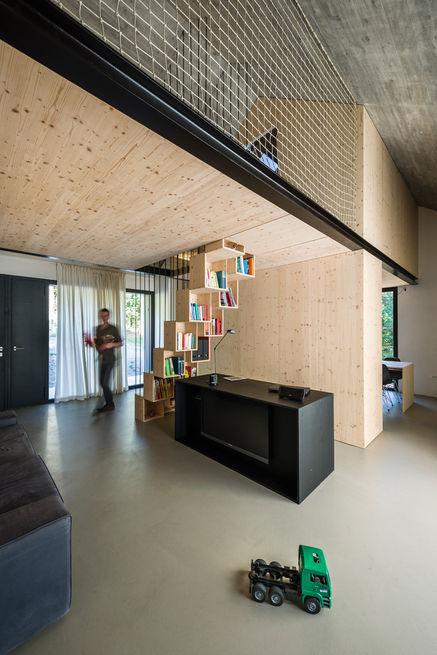 compact-karset-house-stairway-storage_0.jpg