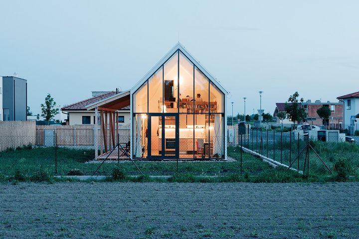 ist-rodinny-dom_home_in_slovakia.jpg