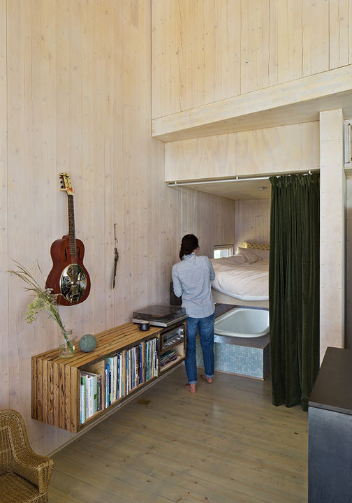 sailing_the_high_desert-prefab-vaction-home-guest-bedroom-lifts-to-bathtub.jpg
